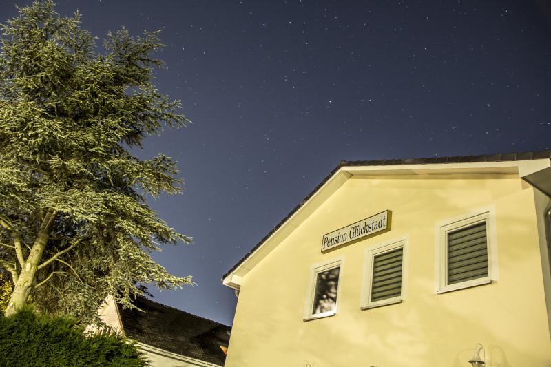 Pension Glückstadt bei Nacht